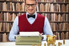 Buchhalter mit Schreibmaschine Stockfotografie