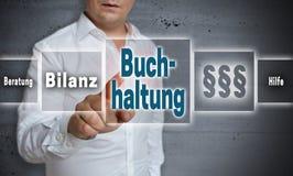 Buchhaltung na contabilidade alemão, ajuda, avice, resultado final é s Fotos de Stock Royalty Free