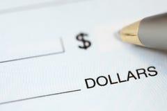 Buchhaltung und Scheckausstellung Lizenzfreie Stockfotos