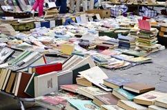 Buchmarkt im Freien Stockfotos