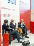 Buchprodukteinführung an den vorwaerts stehen an der Frankfurt-Buch-Messe 2014 Stockfotografie