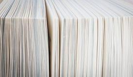 Buchseiten schließen oben Lizenzfreie Stockfotos