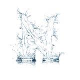 Buchstabe N des Wasseralphabetes Stockfotos