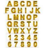 Buchstaben und Zahlen 3d golden auf Weiß Stockfotografie