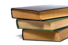 Buchstapel getrennt auf Weiß Lizenzfreies Stockfoto