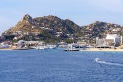 Bucht Cabo San Lucas mit blauem Himmel lizenzfreies stockfoto