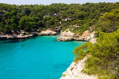 Bucht Calas Macarella, Insel von Menorca, Spanien Lizenzfreies Stockbild