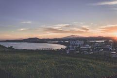 Bucht nahe Seongsan Ilchulbong auf Jeju-Insel stockfotografie