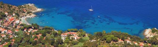 Bucht Sant Andrea, Elba-Insel - Ansicht von oben lizenzfreie stockfotos