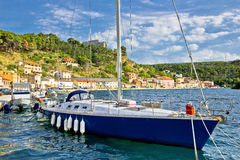 Bucht-Segelnhafen Novigrad Dalmatinski Stockfoto