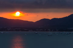 Bucht-Sonnenuntergang auf Regenzeit Lizenzfreies Stockbild
