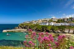 Bucht und Hafen von Portisaac, Cornwall, England Lizenzfreie Stockfotos