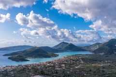 Bucht von Nidri in Lefkas-Insel stockbild