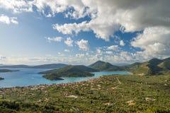 Bucht von Nidri in Lefkas-Insel lizenzfreie stockfotos