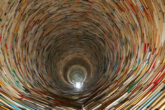 Buchtunnel in Prag-Bibliothek Stockfotografie