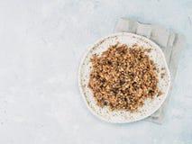 Buchweizen Risotto mit getrockneten Pilzen Stockfoto