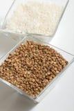 Buchweizen und Reis Stockfotos
