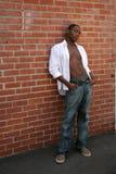 buck agains przystojnego modelu opartego otwarta koszula Fotografia Royalty Free
