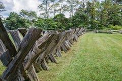 Buck Rail Fence sulla montagna della marmotta - Ridge Parkway blu, la Virginia, U.S.A. Fotografie Stock Libere da Diritti