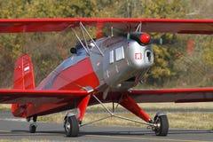 Bucker 131 Jungmann ter plaatse, 23 Oktober 2010 in Pribram-luchthaven, Tsjechische republiek Royalty-vrije Stock Foto's