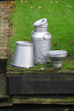 buckets молоко чонсервной банкы Стоковые Изображения RF