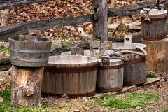 buckets trä Arkivbilder