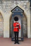 Buckimgam slott - drottningens vakt Royaltyfri Bild