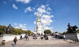 buckingham伦敦纪念宫殿维多利亚 免版税库存照片