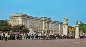 buckingham王国团结的伦敦宫殿 免版税图库摄影