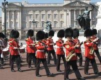 buckingham上色宫殿进军 免版税库存图片