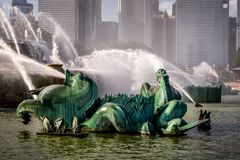 Buckingham Fountain in Chicago`s Grant Park royalty free stock photography