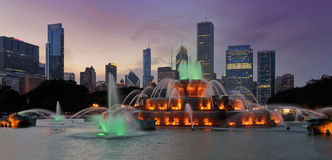 Buckingham Fountain at night Stock Images