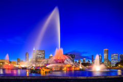 Buckingham fountain at twilight Stock Photo