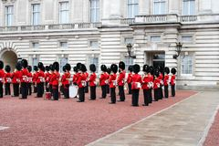 Buckingham Palace-Ändern des Schutzes - London bedeutendes event-3 lizenzfreie stockbilder