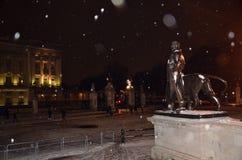 Buckingham Palace στο κεντρικό στις 18 Ιανουαρίου 2013 του Λονδίνου χιονιού Στοκ Φωτογραφίες