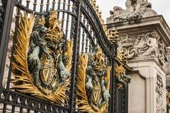 Buckingham Palace - brama obrazy royalty free