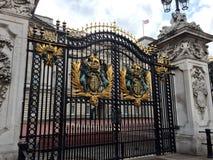Buckingham Palace bramy, Londyn, Anglia Obraz Royalty Free
