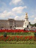 Buckingham Palace in de Zomer in Londen stock foto