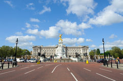 Buckingham Palace i London Arkivbild