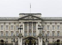 Buckingham Palace in Londen, het UK Stock Afbeeldingen