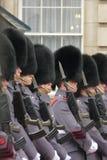 Buckingham Palace, London, Großbritannien 15. Februaryy 2015 Winter-ändernde Schutzzeremonie am Buckingham Palace lizenzfreie stockfotos