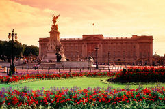 Buckingham Palace, London, UK. Besides being the official London residence of The Queen, Buckingham Palace is also the busy administrative headquarters of the Stock Photo