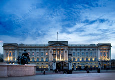 Buckingham Palace by night Royalty Free Stock Photo