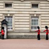 Buckingham Palace strażnicy Zdjęcie Stock