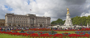 Buckingham Palace and Victoria Memorial Royalty Free Stock Photo