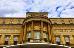 Buckingham Palace w lecie Obrazy Royalty Free
