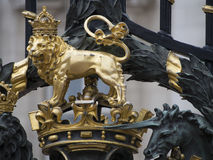 Buckingham Palaceportar, London Royaltyfria Foton