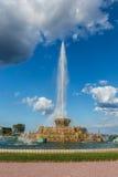 Buckingham springbrunn och regnbågar i Grant Park, Chicago, IL Arkivbilder