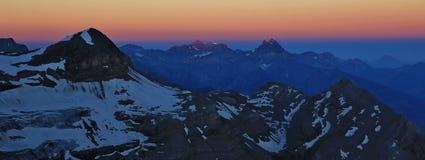 Bucklor du Midi och Tete Ronde på soluppgång arkivfoto