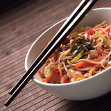Buckwheat noodles with chicken Royalty Free Stock Photos